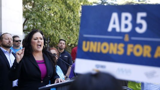 California Lawmakers Advance Bill To Redefine And Protect Gig Workers