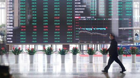Chinese stocks gain on reports Beijing will continue to allow US listings