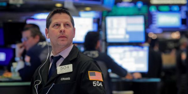 Dow climbs 250 points after Trump administration shares COVID-19 recovery plan