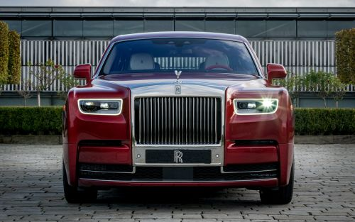 Rolls-Royce's new app lets clients do just about anything, from building personalized racetracks to commissioning Monopoly boards modeled after their own assets
