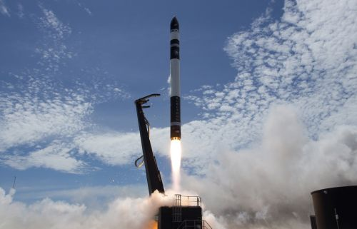 Max Q: SpaceX and Rocket Lab launch rockets and X-Wings take flight