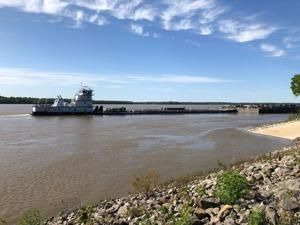 Mississippi River traffic reopened under damaged bridge