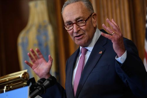Chuck Schumer: If GOP tries to fill Ginsburg's seat, 'nothing is off the table next year'