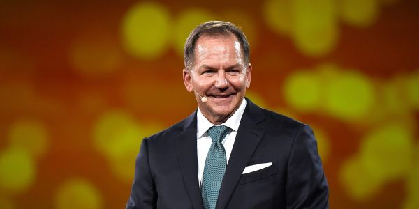 Stocks will see a big surge in the 1st quarter of 2021 after stimulus passes, forecasts billionaire investor Paul Tudor Jones
