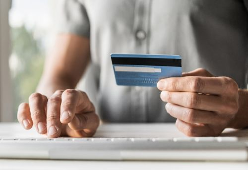 How to Use a No-Interest Credit Card to Fund Your Business