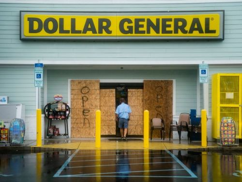 Shoppers flooded dollar stores to stockpile cheap goods during the pandemic - here's why that's been a major boon to Dollar General