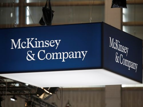 How to write a cover letter for McKinsey that gets your foot in the door, according to 3 recruiters and a former McKinsey manager - plus examples to get you started