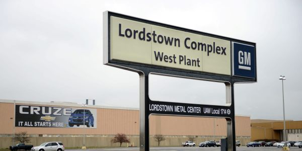 Lordstown Motors slumps 15% on announcement of CEO and CFO resignation