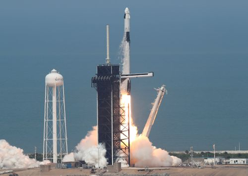 Max Q: SpaceX launches astronauts to orbit