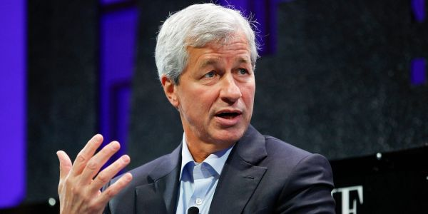 JPMorgan CEO Jamie Dimon warns investors not to buy crypto - and calls for clearer rules around trading it
