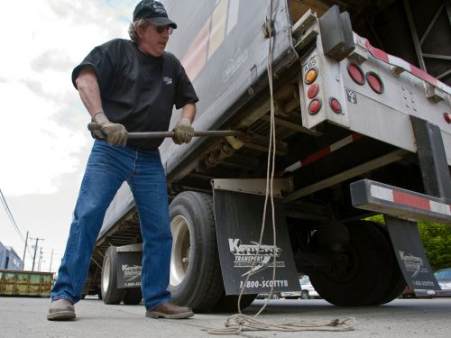 An American trucking giant is slated to declare bankruptcy, and it may leave more than 3,200 truck drivers stranded and jobless