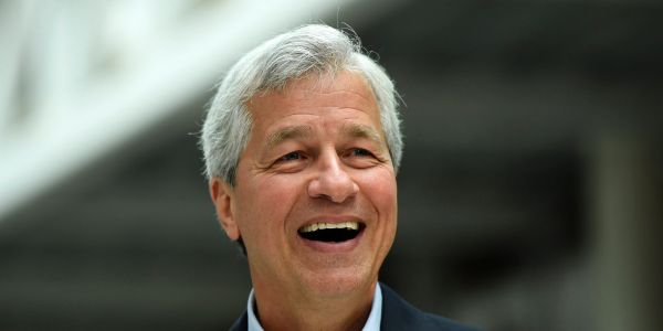 JPMorgan's 4Q earnings smash Wall Street's targets