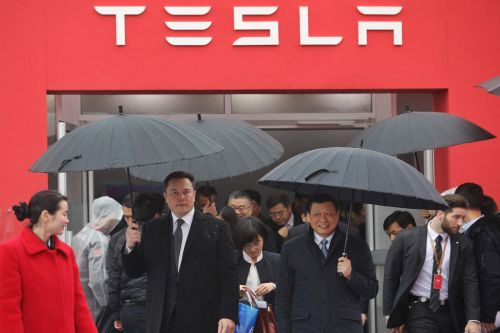 LIVE: Tesla is about to release Q1 earnings