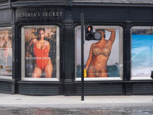 Victoria's Secret totally rebranded this year. Former execs say they pushed for the same changes for years and were shot down