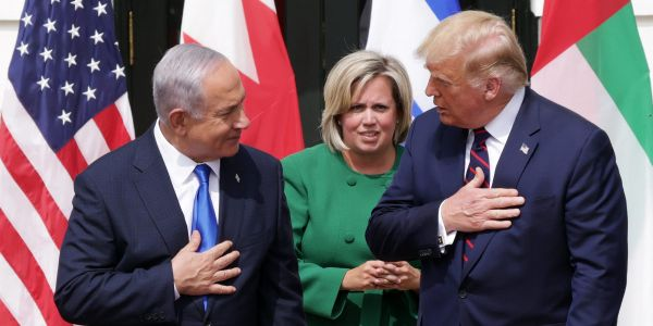 Israeli PM Netanyahu always brings his dirty laundry to US state visits so White House staff can clean them for free, report says