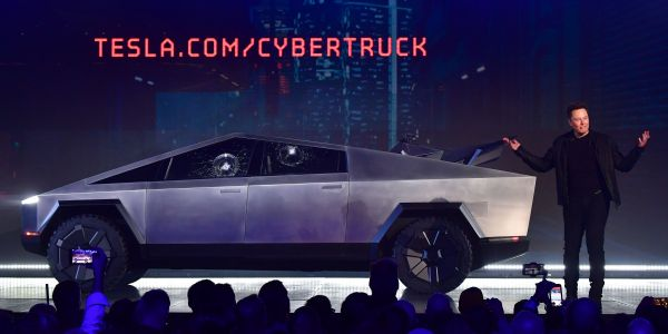 Everything that happened when Elon Musk unveiled the Cybertruck, including the window-breaking mistake that made him say 'Oh my f--ing god'