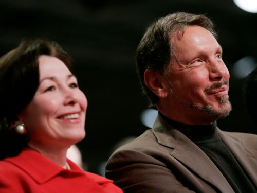 Oracle tells employees it donated a COVID-19 'therapeutic learning system' that can help speed up the development of a treatment to the US government