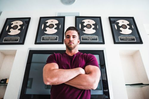 A millionaire fitness founder shares the 5 steps he followed to grow his online business from $2,000 in annual sales to more than $3 million in just 5 years