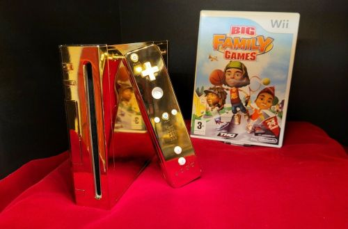 This gold-plated Nintendo Wii made for Queen Elizabeth II is selling on eBay, with a $300,000 asking price