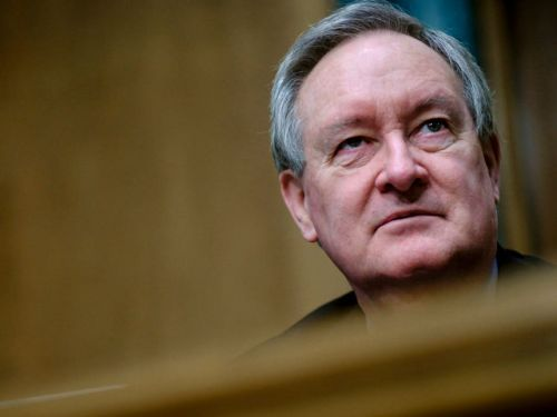 Here's what $15,000 will buy lobbyists on Sen. Mike Crapo's pay-for-access price list