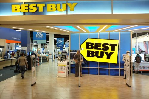 Best Buy helped kick off in-housing, and it's continuing the trend by creating all its holiday ads internally
