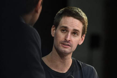 Snap drops 6% as investors mull sluggish user growth